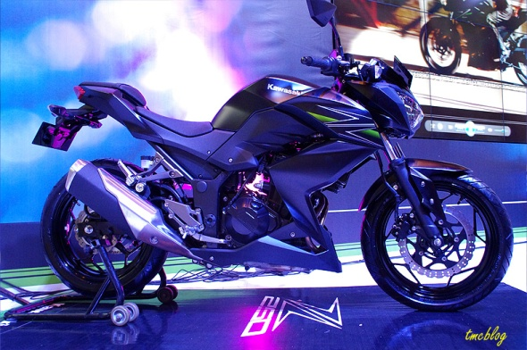 250cc, DOHC 2 silinder