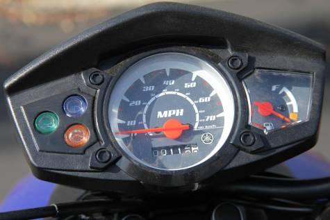 2009_Yamaha_Zuma_gauges